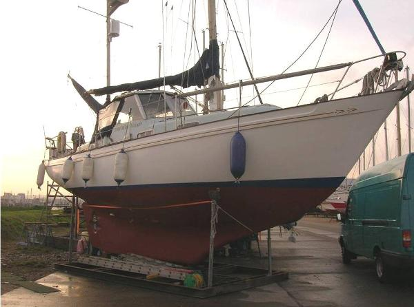Barbary Ketch 33 (lowered)