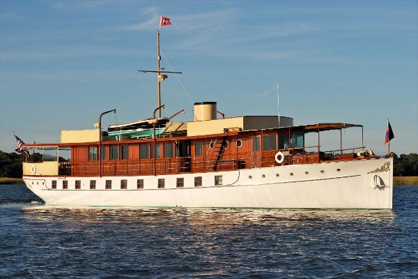 Trumpy Mathis Motor Yacht Profile