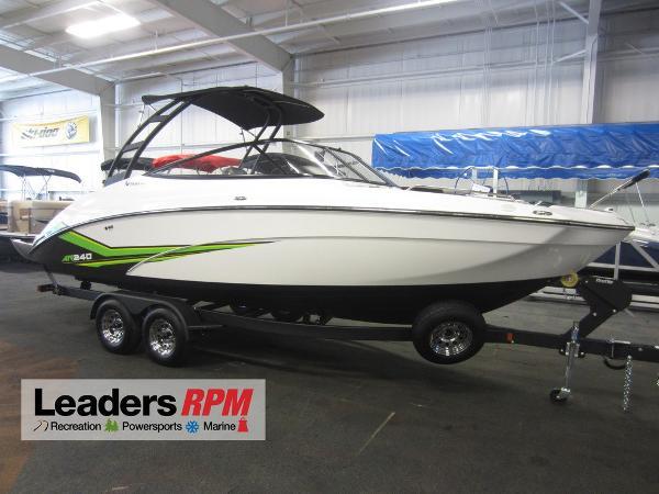 Yamaha Boats 240 AR