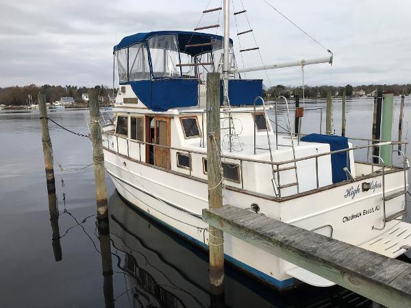 Marine Trader 38 DC w BOW/STERN THRUSTERS