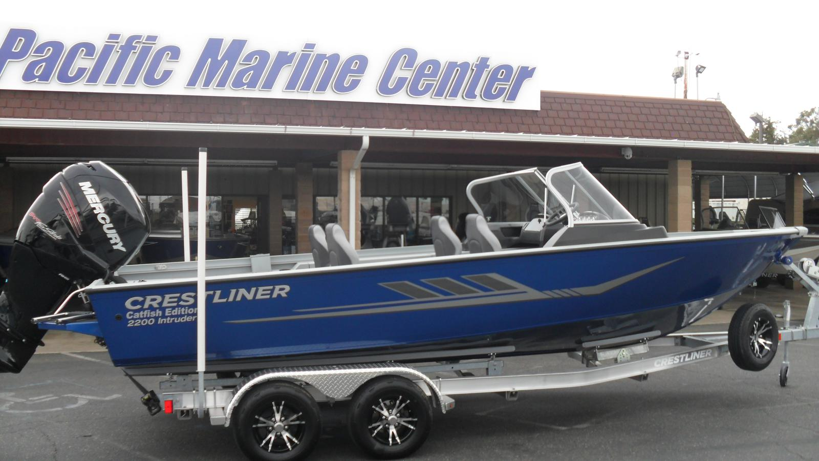 Crestliner 2200 Intruder-Mercury 250hp