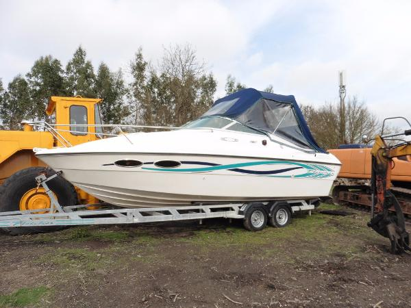 Fletcher 25 Arrowbolt Millennium On included twin axle road trailer. Lovely hull.
