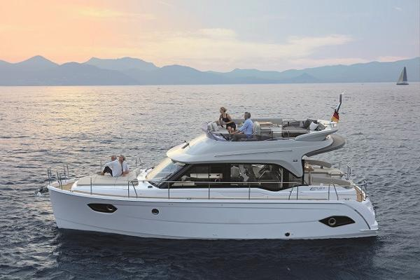 Bavaria Motor Boats E 40 FLY NEW BAVARIA E 40 FLY with possibility of berth in south of France