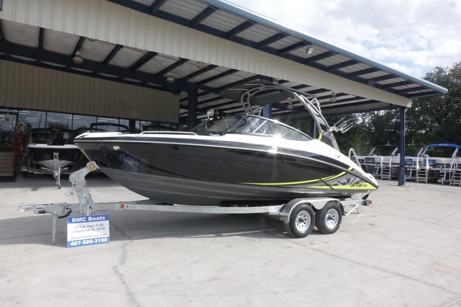 Yamaha Boats 212X
