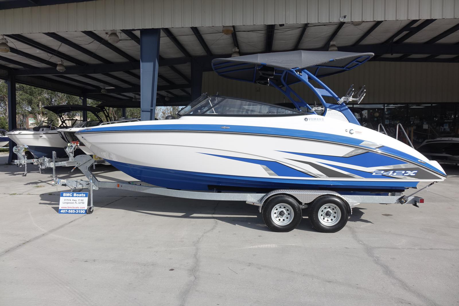 Yamaha Boats 242X