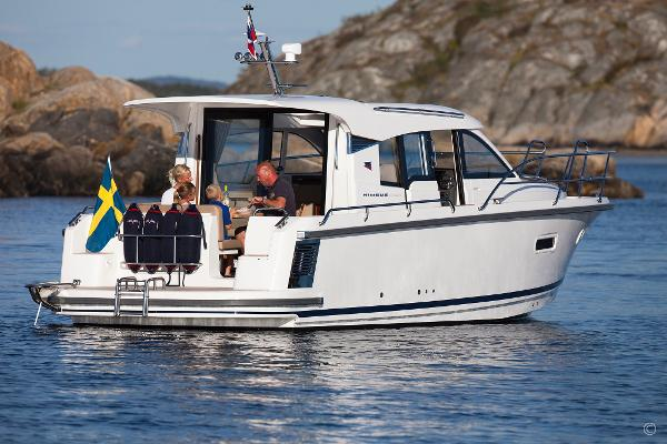 Nimbus 305 Coupe boats and yachts for sale in London and the United Kingdom - Grosvenor Nimbus - Nimbus 305 coupe