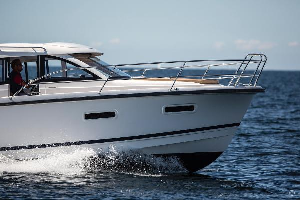 Nimbus 305 Coupe boats and yachts for sale in London and the United Kingdom - Grosvenor Nimbus - Nimbus 305 coupe diesel