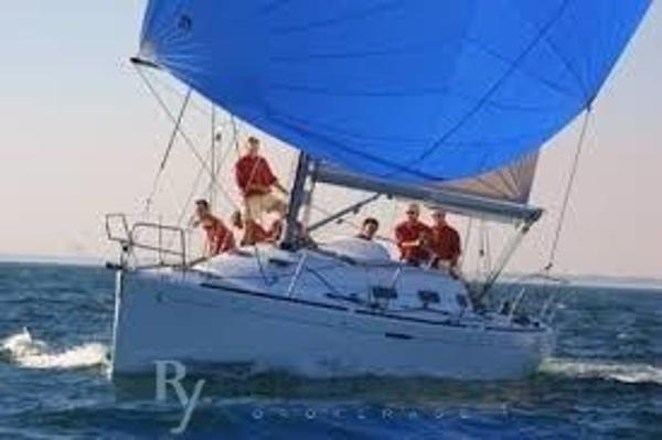 Beneteau First 36.7 download (1)