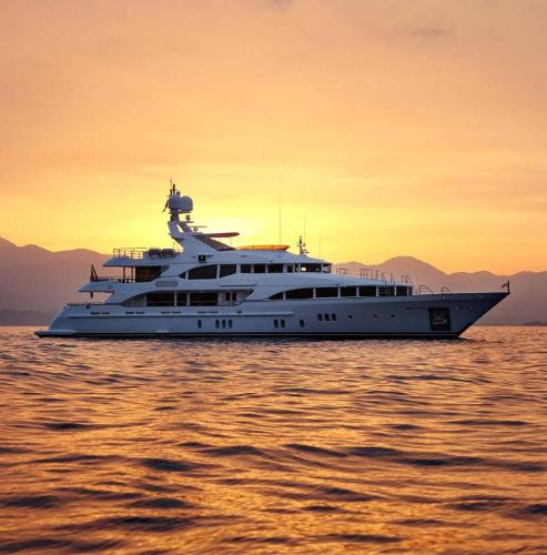 Benetti VIZION 145 At Anchor