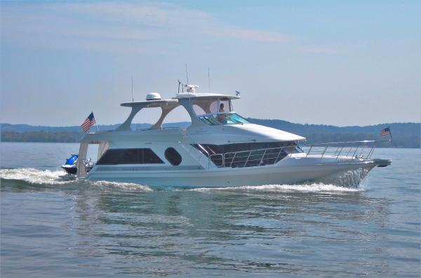 Bluewater Yachts 5200 Custom