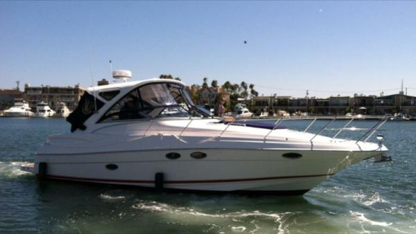 Regal 38 Express 2011 Regal 38 Express Starbord Profile
