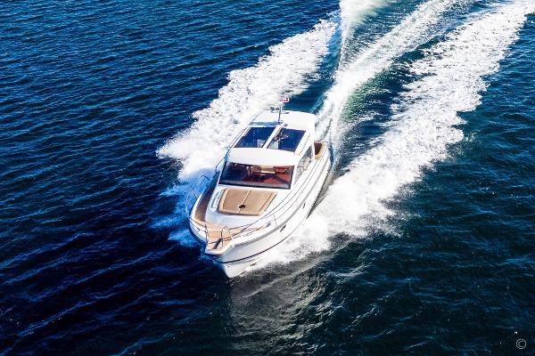 Nimbus 365 Coupé boats and yachts for sale in London and the United Kingdom - Grosvenor Nimbus - Nimbus 365 coupe