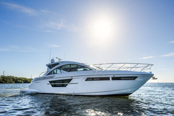Cruisers Yachts 54 Cantius Profile