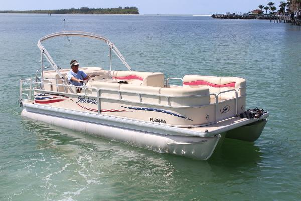 Sweetwater 2386 Sport with Yamaha F115