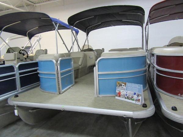Misty Harbor Boats Adventure CR A-2085CR