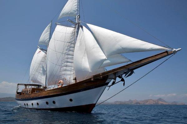 30m Luxury Phinisi 30 m Luxury Phinisi, 30 m Kapal Phinisi