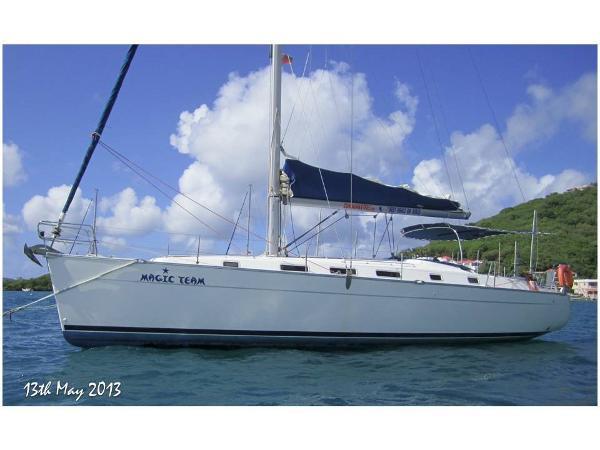Beneteau Cyclades 43 Magic Team at anchor