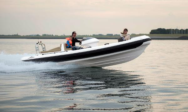 Cobra Ribs Patronus 6.2m Manufacturer Provided Image: Cobra Ribs Patronus 6.2m