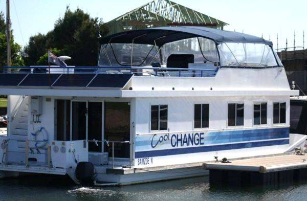 Houseboat Photo 1