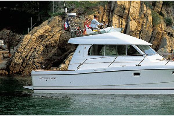 Beneteau Antares 10.80 Manufacturer Provided Image
