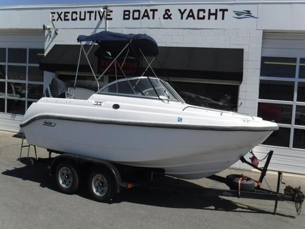 Boston Whaler Ventura 180 Bowrider