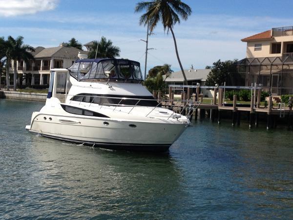 Meridian 459 Motoryacht Starboard Profile