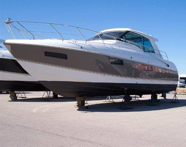 2012 48 Cantius / Taupe Hull Color