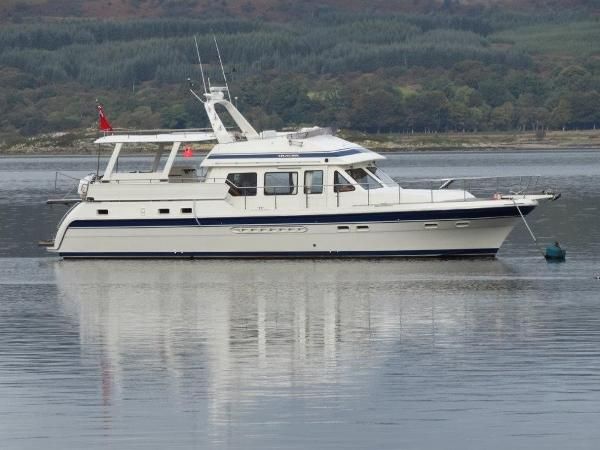 Trader 535 Signature At Mooring