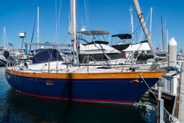 Nantucket Boat Works 33 Mid-Cockpit