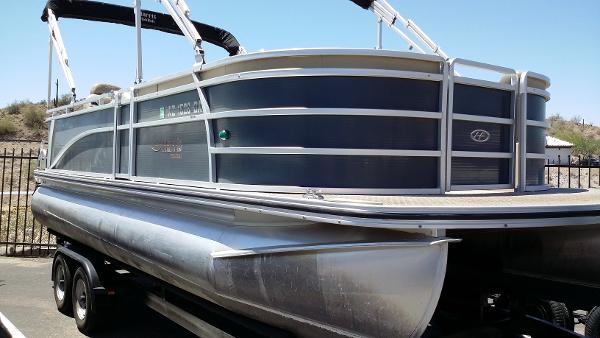 Harris FloteBote Sunliiner LS 220
