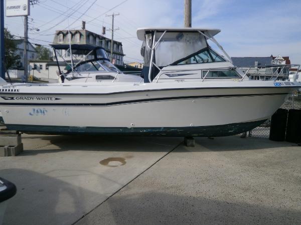Grady-White 24 Offshore
