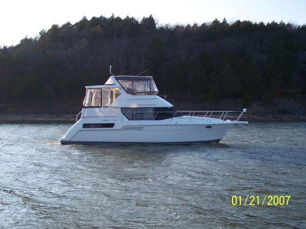 Carver 355 Aft Cabin On the water