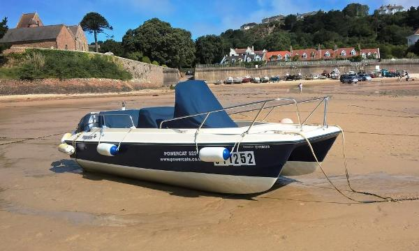 Powercat 525 Starboard