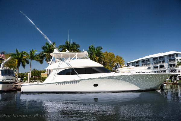 Viking Yachts 82 Convertible Profile
