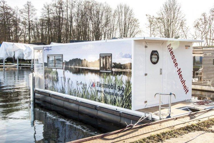 Flexmobil Houseboat