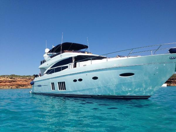 Princess 72 Motor Yacht Princess 72 Flybridge