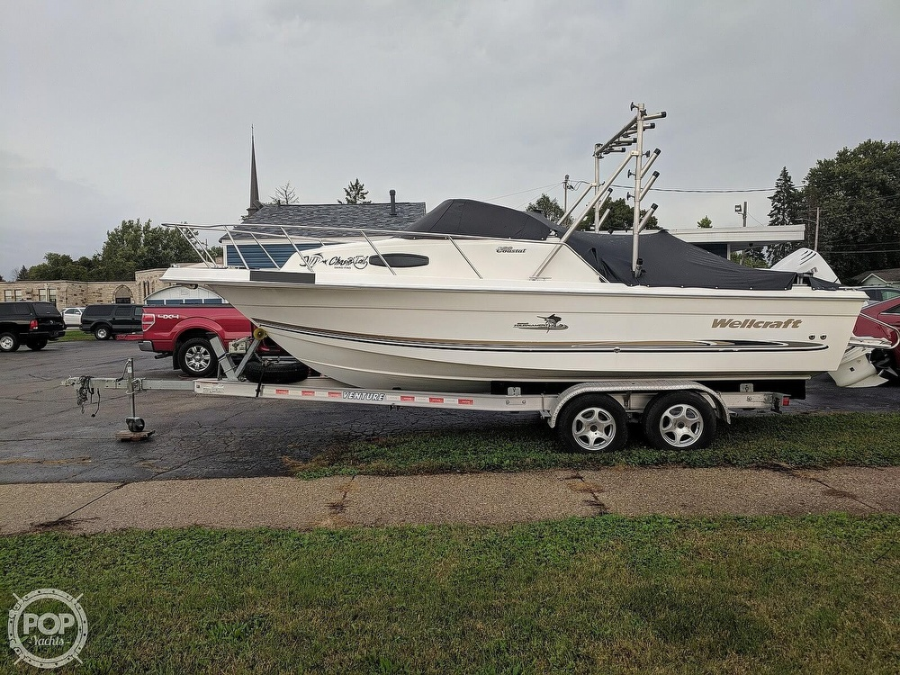Wellcraft 220 COASTAL 2003 Wellcraft Coastal 220 for sale in Janesville, WI