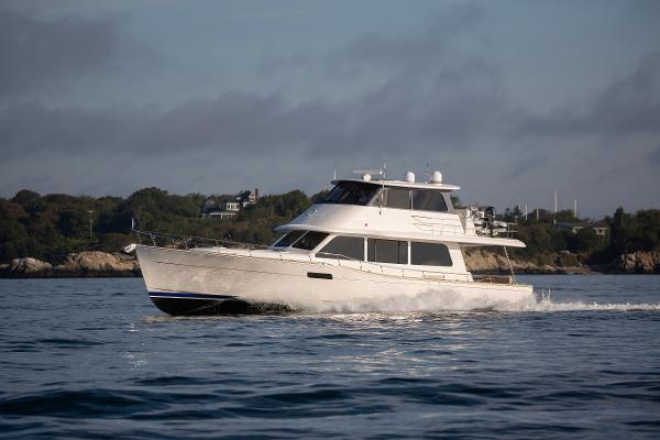 Grand Banks GB60 Skylounge