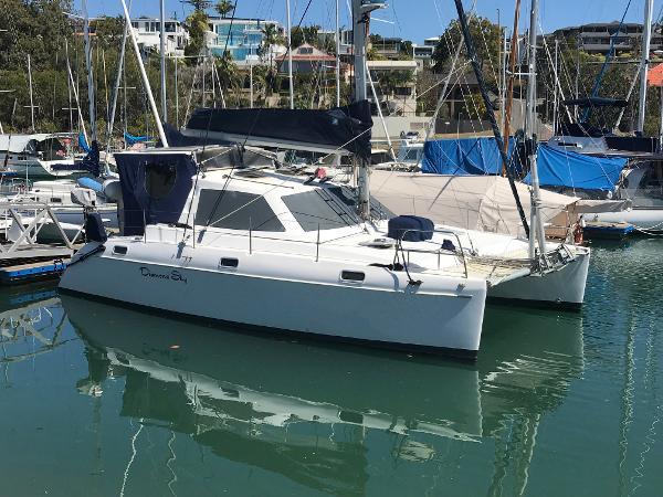Catamaran Rayvin 30