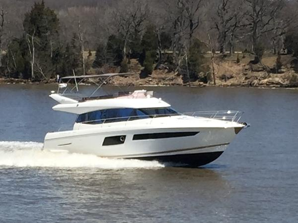 Prestige 500 Flybridge 2017 Prestige 500 Flybridge / Sistership Photo