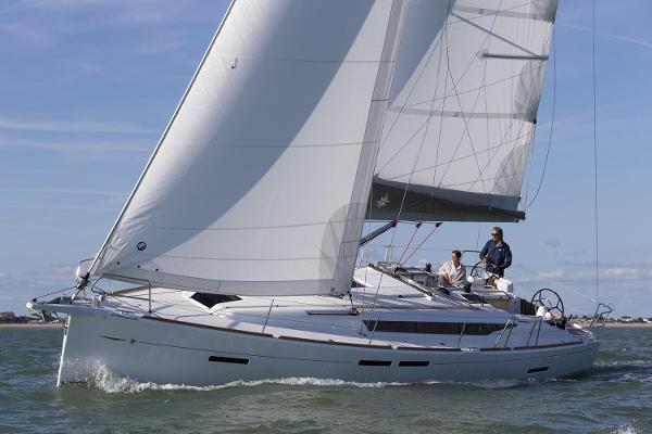Jeanneau Sun Odyssey 419 Manufacturer Provided Image