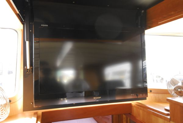 Upgraded Retractable TV