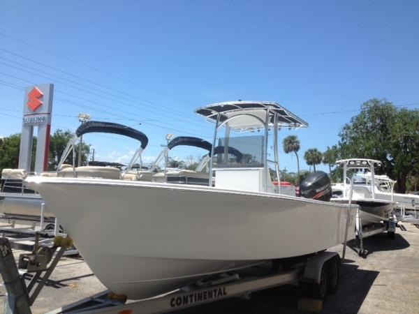 C-hawk Boats 25 Center Console