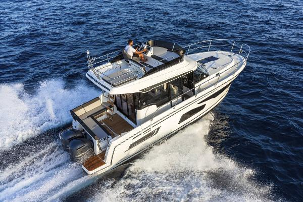 Jeanneau Merry Fisher 1095 FLY Legend - DEMO BOAT NOW AVAILABLE