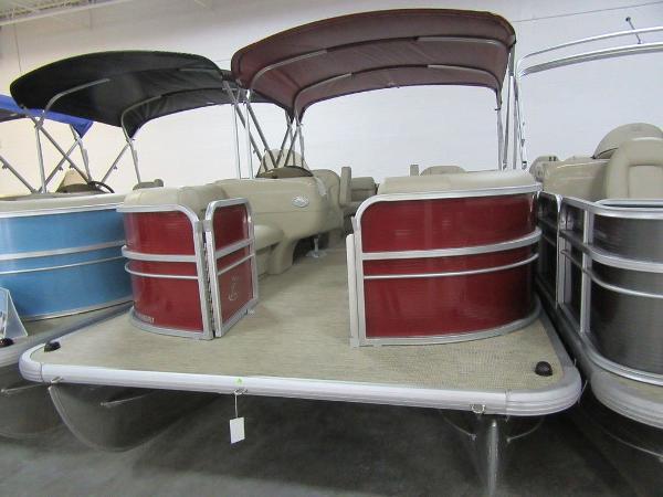 Misty Harbor Boats Adventure RU A-2085RU