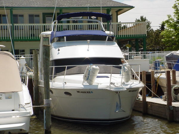Carver 356 Aft Cabin Motor Yacht Photo 1