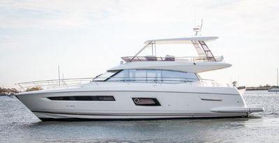 Prestige 560 Flybridge Port Side