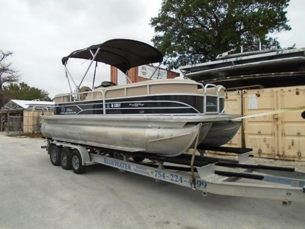 Tracker party barge 22 dlx