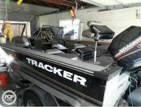 Tracker Targa 18 2000 Tracker Targa 18 for sale in Chicago, IL