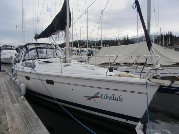 Hunter 430 Starboard profile